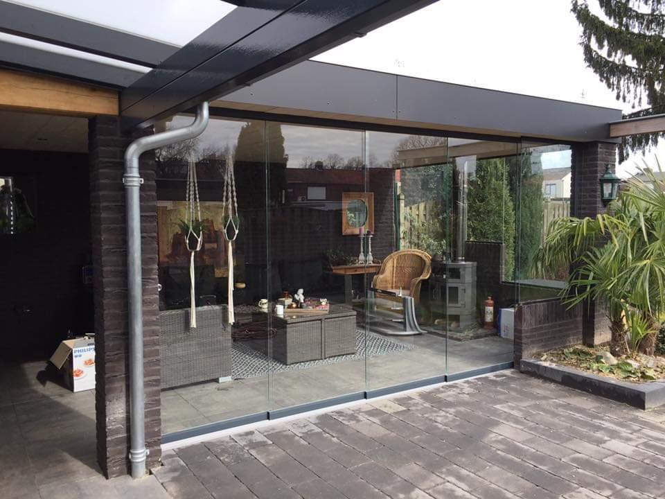 terrasoverkapping met glazen schuifpui